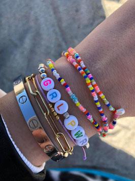 Buntes Glasperlen Armband mit Süßwasserzuchtperlen