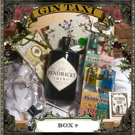 Box 7 - Gift Box with GIN TAXI Voucher for 4