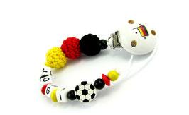 Schnullerkette mit Namen - Deutschland Häkelperlen, Fußball und Deutschlandclip 002
