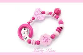 Greifling mit Namen - Schnörkelherz, Schnörkelblume, Ring & Glöckchen pink 178