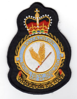 Royal New Zealand Air Force No.2 Squadron crest patch A-4K Skyhawk disbanded 2001