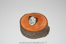 Ring in Altmessingoptik- oval- Blümchen- blau
