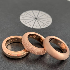 "Combine & Shine with our ring ring ""Loop"" in roségold"