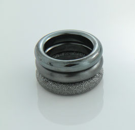"Combine & Shine with our ring ring ""Circle"" made of recycled silver - black"