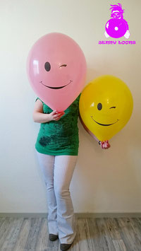 "TUF-TEX 17"" Winking Smiley"