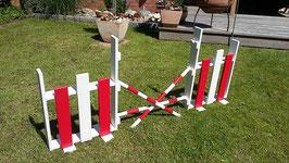 2er Set Kinder Springturnier, ein pinker und ein roter Sprung