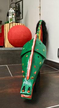 Dragon en bois et plâtre