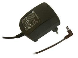Netzgerät 12V 1A gebogen