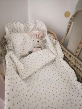 Mini-Moseskörbchen mit Bettwäsche