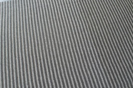 Streifen, grau