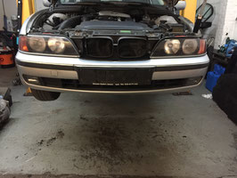 Bumper voorzijde BMW E39 SEDAN en Touring 2001 Titansliber