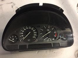Kilometer teller BMW E39 528i handbak