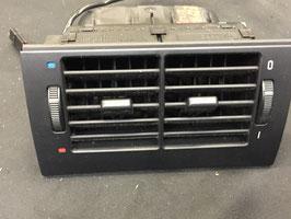 Ventilatierooster voor de  achterbank BMW E39  oem 8376150