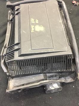 Luchtfilterbak  BMW E39  rechter kant art 241143