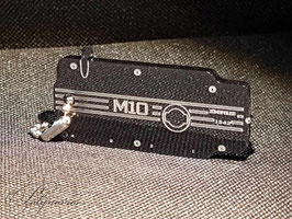 M10 Ventildeckel Schlüsselanhänger -  Umriss-Linien - Variante 2