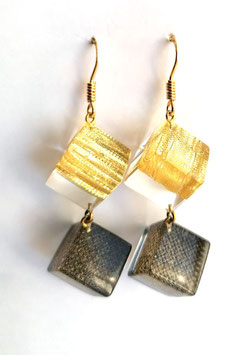 Ohrhänger Doppelwürfel mit Textileinschluss gold und braun