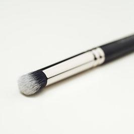 V131 Concealer Brush