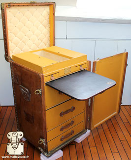 Malle secretaire Louis Vuitton 1922