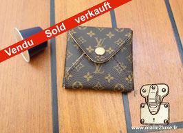 Petit etui pendentif souple bijoux Louis Vuitton