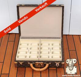 Valise président et accessoires pour x16 montres Louis Vuitton