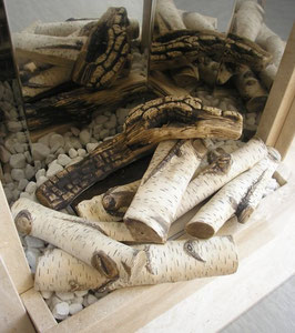 Keramikholzscheite in Birkenoptik