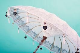 Luxe editie Bali parasol, breedte 180 cm of 250 cm, kleur wit met mooie zilveren beschildering