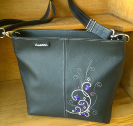 Kunstledertasche Modell Bettina gestickt violett