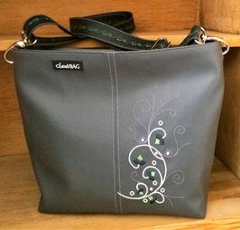 Kunstledertasche Modell Bettina gestickt hellgrün