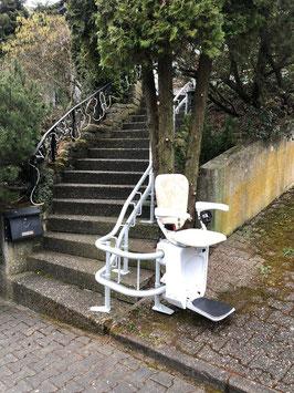 Außen-Treppenlift (kurvige Treppen)