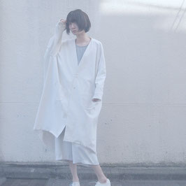 春空のスプリングコート White