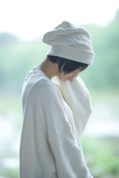 霞奏でるニット帽 white