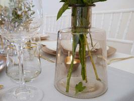 Vase schlicht getönt