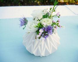 Vase geometrisch weiß