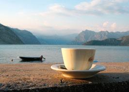 Postkarte: Grosse Tasse mit Aussicht