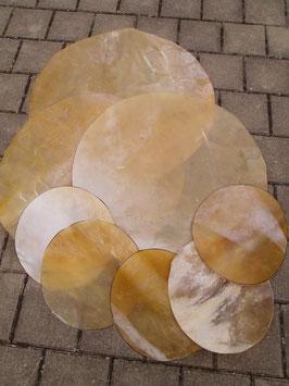 Rohhäute komplett vom Chiemgauer oder Allgäuer Rothirsch zum Bau von Rahmentrommeln, Djemben, Basstrommeln o.ä.