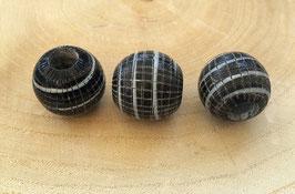 Hornperle Style B / Schwarz Glänzend - Weiße Streifen und Rautenmuster