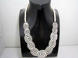 Knochen Halskette (schwarz und weiß)