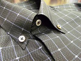 大島紬シャツ「かごんまのいっちゃびら」メンズ、緯絣トンボ柄、泥染色、長袖