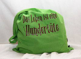 Praktische Falttasche grün aus Baumwolle, gefüllt mit hausgemachten Appenzeller Teigwaren