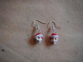 Ohrringe Totenkopf mit Nikolausmütze