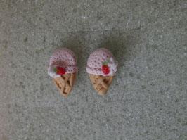 Ohrstecker Erdbeereis in der Waffel