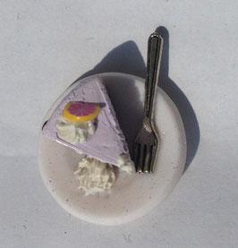Ring Tortenstück Blutorange mit Gabel lila