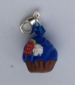 Charm Anhänger Cupcake blau mit Erdbeeren