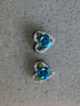 Ohrstecker Herz mit blauer Blüte