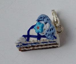Charm Anhänger Torte blau/weiss mit Blume