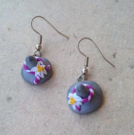Ohrringe Tiroler Hut mit Edelweiss lila