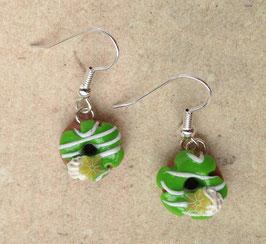 Ohrringe Donut grün mit gestreiften Zuckerguss und Sternfrucht