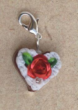Charm Mini-Lebkuchenherzen Rose metallig rot