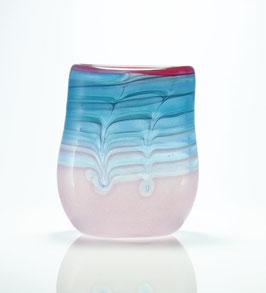 Vase, aquablau-rosé, mit Kammzugdekor