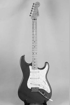 ★HOLD★Fender Japan ST